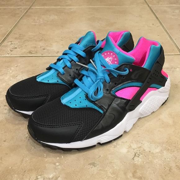 pretty nice b46be 0bba0 Nike Air Huarache Run GS Running Shoes